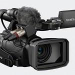 Камера Sony PMW-100 позволяет записывать HD видео с битрейтом 50 Мб/с