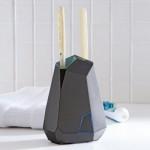Подставка для зубных щеток с ультрафиолетовой лампой для дезинфекции