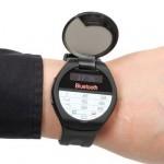 С помощью часов Thanko  Watch Hello  можно делать звонки как с мобильного телефона