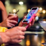 Чехол-кошелек от OtterBox для iPhone