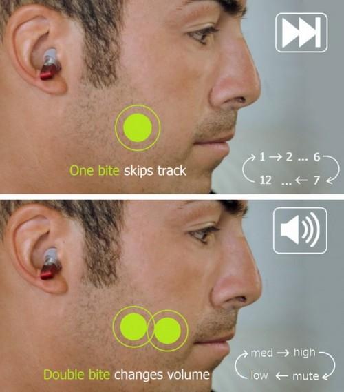 Split  earbud1