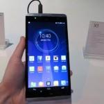 Смартфон Hisense X1 получил гигантский 6,8-дюймовым экраном