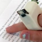 Высокотехнологичное кольцо FingerReade умеет сканировать и читать вслух напечатанный текст