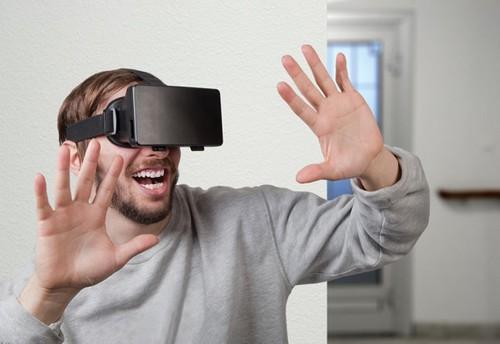 Virtual Reality Smartphone