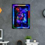 Постер для любителей современного искусства с цветной светодиодной подсветкой стоит 225 долларов.